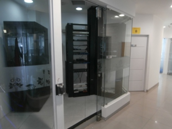 Avenida Francisco de Miranda, Miranda 1060, ,2 BathroomsBathrooms,En Alquiler,Oficinas,1058